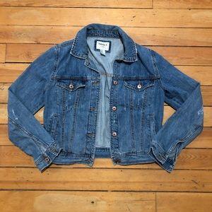 FOREVER21/ lightly distressed jean jacket